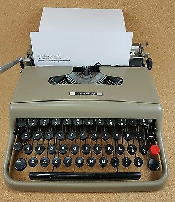 Vintage Olivetti Lettera 22 Portable TYPEWRITER Italy WORKING w/Case!