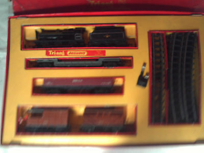 Triang Rs.5 Electric Class 4F Loco Freight Train Set In Box Complete V.g.c.