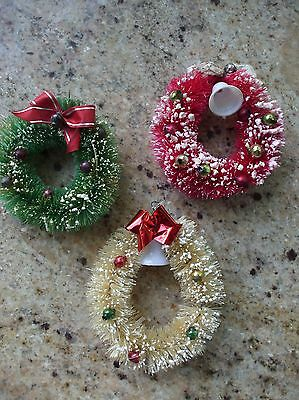 Vintage Christmas Bottle Brush Wreaths Mercury Glass Beads Red Cream Green