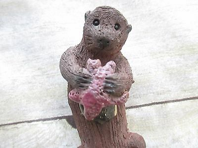Sea Otter Figurine Eating Starfish 5-1/2in Made In Ashland Oregon