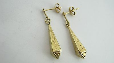 9ct Gold Dangling Patterned Earrings