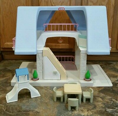 Vintage Little Tikes Blue Roof Dollhouse Playhouse Accessories