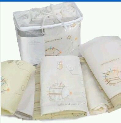 Bed-e-Byes Spike and Buzz Bedding Bale Cot Quilt/ Pack of 5 Pieces
