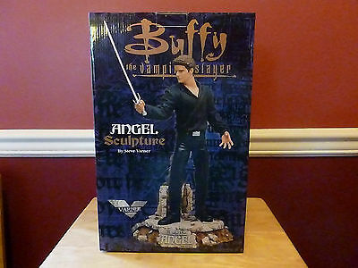 Buffy the Vampire Slayer ANGEL 1999 Steve Varner Statue Limited Edition MINT