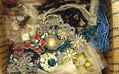 LOT OF MED FR mixed JEWELRY 100% ALL WEAR SOME SIGNED vtg-new Guess, Coldwater +