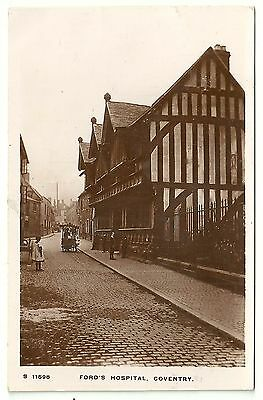 Warks postcard Coventry Ford's Hospital