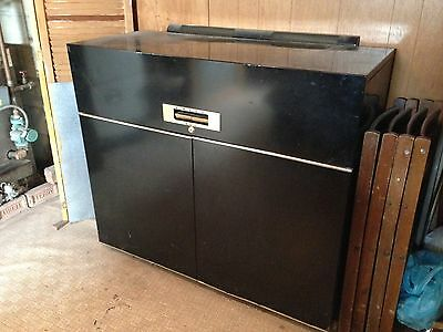 Dwyer 400 Vintage Portable Mini Compact Kitchenette - Stove, Refrigerator & Sink
