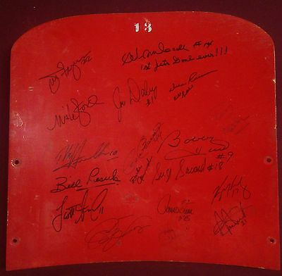 Old Winnipeg Jets Arena Seat Back Signed by 19 WHA NHL Hull Hawerchuk Autographs