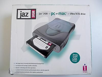 Iomega JAZ 2GB Ultra SCSI Drive External + SCSI Cable + 2GB Jaz Disk - Boxed