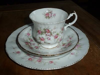 Paragon Victoriana Rose trio - Cup, Saucer and dessert plate - Pink Roses xx