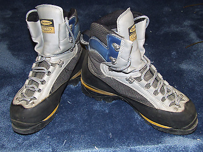 Scarpa Freney XT Gore Tex Mountaineering Boots Crampon Compatible UK size 9.5