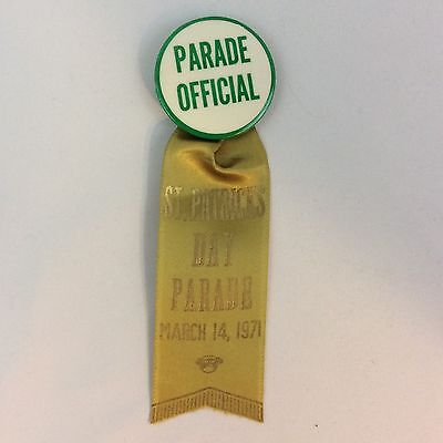 Vintage 1971 St Patricks Day Parade Official Pinback With Ribbon Sommer Badge