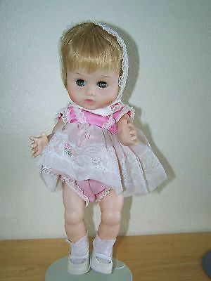 Vintage Ginny Baby By Vogue Dolls Outift Looks Original Nice Doll With Stand