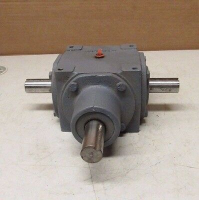 Hub City 0220-00901-165 Bevel Gear Reducer 165 1:1 Ratio Right Angle Gearbox