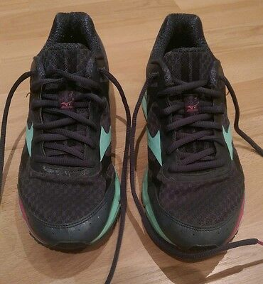 Mizuno Wave Rider 17 UK 5.5