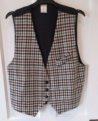 """vintage ladies checked waist coat """" size M ."""" size 12/14 . made in UK."""