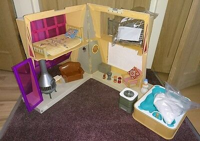 Bratz dolls house ski lodge and accessories