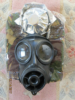 2001 British Army S10 Gas Mask (Size 3), Wrapped Filter & Brand New Haversack!