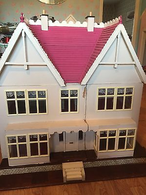 Vintage Dolls House With Garden