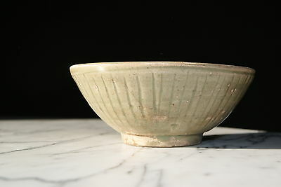 Northern Celadon Bowl China,  Song Dynasty (960-1279 A.D.) Durchmesser13,7cm