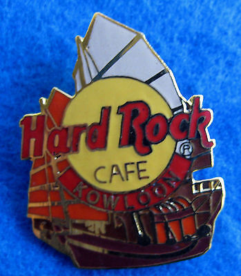 KOWLOON HARBOUR CHINESE JUNK SHIP BOAT CITY LOGO VINTAGE HRC Hard Rock Cafe PIN