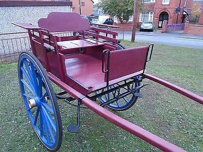 Norfolk Market Trap Pony / Horse Cart / Carriage Theatre Prop , Garden Feature
