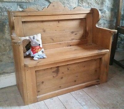 Vintage Solid Pine Childs Monks Bench/Church Pew Storage Seat/Settle Toy Box