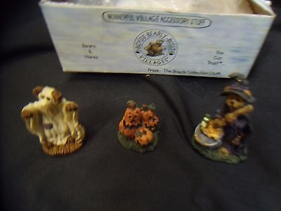 Boyd's Bears - Bearly Built Villages - figurines & accessories  PUNKY BOOBEAR'S