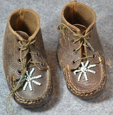 moccasin shoes baby child beaded brown leather hand made antique vintage 1940