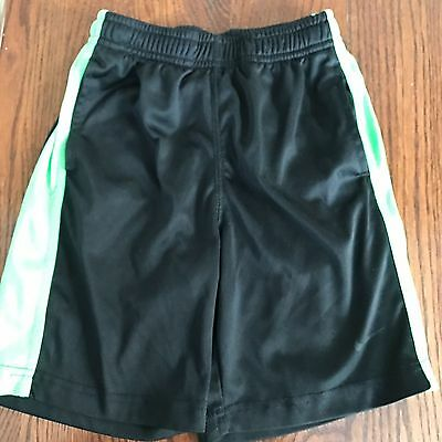 "Nike Drivers Fit polyester boys striped elastic waist  inseam 6"" shorts size 6"