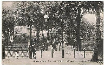 Vintage Unused B&W WHS Aldwych P/C Leicester, Museum and the New Walk