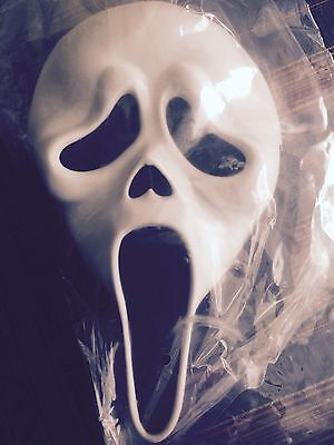 Halloween Costume from the Movie Scream w/Mask (NWT) (ONE-SIZE)
