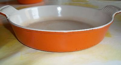 LE CREUSET  Plat Rond volcan 22 cm FONTE  EMAILLEE