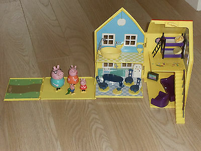 Peppa Pig Deluxe  Playhouse. With Figures And Furniture... All In Photo`s.