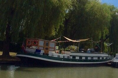 Dutch Barge. Fantastic floating home and ready to cruise. Moored in France .