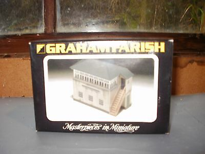 N Gauge Graham Farish Signal Box New In Box