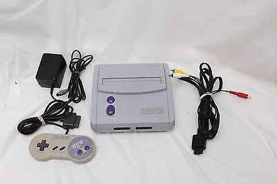 Super Nintendo Mini Console SNS-101 SNES System + cables and Controller