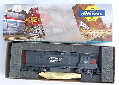 Athearn Southern Pacific GP-40-2 - HO Scale