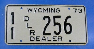 1973 Wyoming Dealer License Plate 11Dlr256 With Issue Envelope            Ul3977