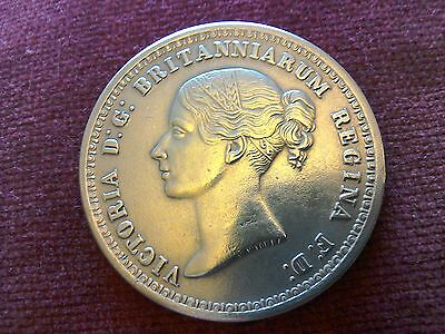 Queen Victoria £5 coin 1839, gold plated reproduction.