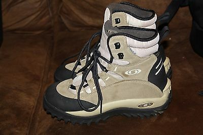 Slightly Used Womens Salomon Contagrip Hiking Boots size 7