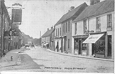 POSTCARD   BERKSHIRE  THATCHAM    High   Street