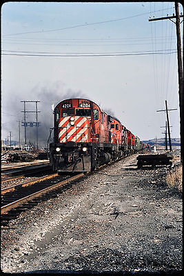514 Kodachrome Slide Canadian Pacific CP C424 #4204, Action, Alco, MLW
