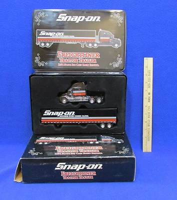 Snap On Tractor Trailer Bank Freightliner Die Cast Replica Crown Premiums 2002