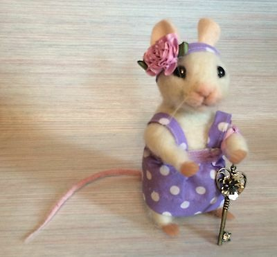 Needle Felted Mouse Feona Key Art Wool New