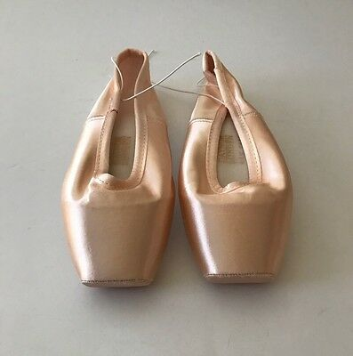 *NEW* GAYNOR MINDEN Pointe Ballet Shoes Size 7.5 M 'Sleek' 3-121-33 Pink EXCELLE