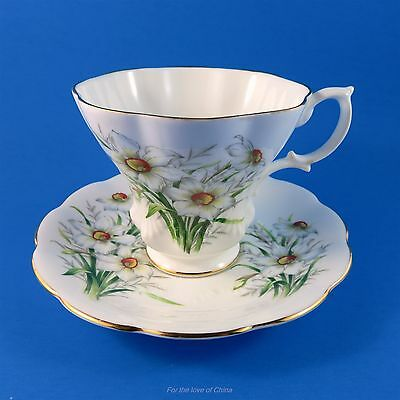 "Royal Albert Friendship Series "" Narcissus ""  Tea Cup and Saucer Set"