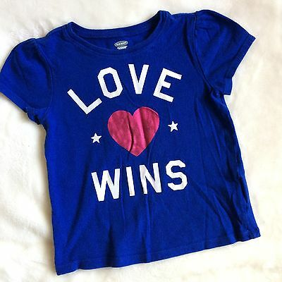 "Old Navy Blue ""LOVE WINS"" Toddler Girls T-Shirt Sz 3T"