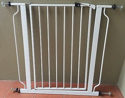 Baby and pet safety gate