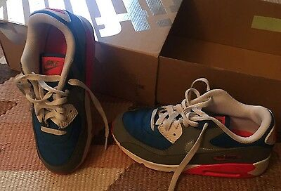 Nike Air max Trainers Size 2 Girls